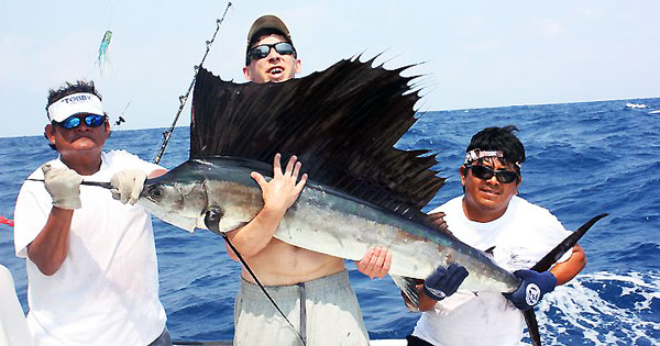 Deep sea fishing charters in cancun mexico for Cancun fishing trips